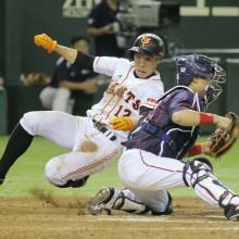 代走出場での本塁生還率は5割超! 存在感を増す鈴木尚広の「足」