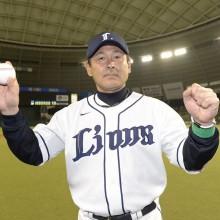 プロレスラー・武藤敬司と西武の田辺監督が1打席対決を実施!
