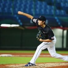 侍J、先発・武田が右足の不調訴え4回で降板 5回から小川が緊急登板