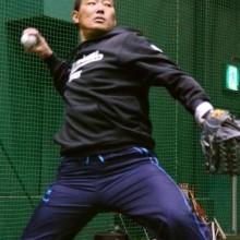 福留、最年長首位打者に意欲 甲子園で自主トレ