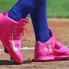 足元もピンク
