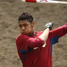 楽天・オコエ、三塁ベース直撃の内野安打 ノムさん「もってるね」