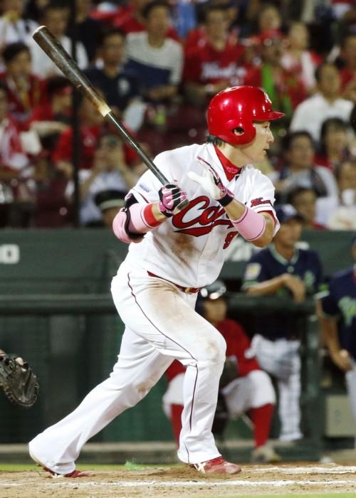 BASEBALL KING | 日本の野球を盛り上げる!広島、5連勝で今季最多の貯金「24」 黒田が7回零封8勝目&決勝スクイズ!