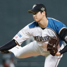 「8番・投手」大谷、投打で鷹を圧倒 中田がトドメ弾、ハム快勝発進!