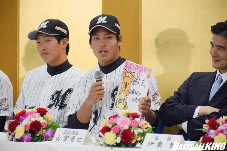 BASEBALL KING   日本の野球を盛り上げる!ソフトB・田中が「25」、ロッテ・佐々木が「11」 ドラフト指名選手の背番号一覧