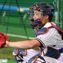 ヤクルト・小川監督、中村の送球に「走者と交錯するようなところに…」