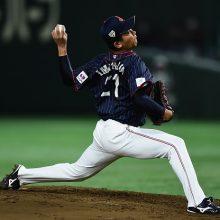 侍J今永、仲間のミスを3者連続三振で救う 4回まで11奪三振の圧巻投球!