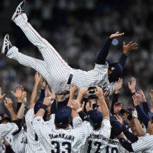 稲葉ジャパン、3連勝で初代王者に 田口快投、大会MVPは外崎!