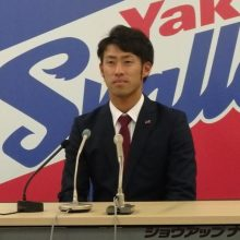 ヤクルト・秋吉、2500万円ダウン「一軍を離れるとチームに迷惑をかける」