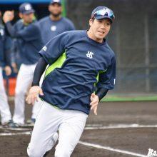 燕・小川監督、9回の山田哲の走塁を評価「判断よく三塁に進んでくれた」
