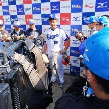 中日・松坂、初ブルペンは「予定よりも少し多めに投げた」