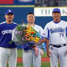 """相次ぐ""""松坂世代""""の引退…現役野手は3人に"""