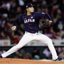 侍・大瀬良、先制被弾も5回1失点 前田との新旧エース対決で好投