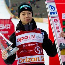 日本ハム開幕戦の始球式にスキージャンプ・小林陵侑選手が登場!