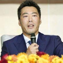 巨人・上原浩治が涙の引退会見「3カ月が勝負だと決めていた」
