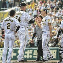 阪神5連勝、3位広島と並び逆転CSに王手! メッセの引退試合を白星で飾る