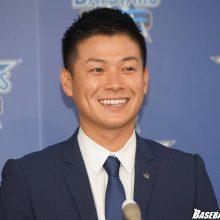 来季は不動のスタメンを!DeNA・神里、柴田が契約更改で決意表明