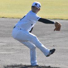 """ロッテ・成田、腕の位置を下げたフォームに変更 捕手陣は""""球の強さ""""を評価"""