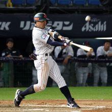 侍ジャパン、広島コンビの活躍で逆転! 2番手オリックス山岡が反撃呼ぶ