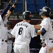 侍ジャパン、2連勝でSR進出決定! 高橋礼6回0封の快投、鈴木特大3ラン