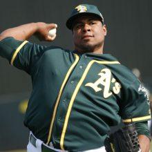 ロッテがドミニカ出身・サントスと育成契約 100キロ超の巨漢右腕