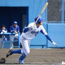 DeNAのドラ1・森、安打&盗塁で好機演出 実戦5試合で打率.455