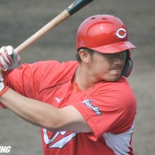 広島・鈴木誠也、1番で3打数3安打 球団初の5年連続打率3割達成!