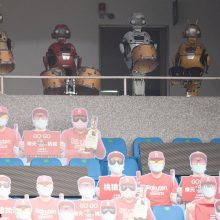 台湾プロ野球の開幕戦は雨天中止… 「ロボット応援団」も出番なく