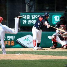王子から大使へ?韓国からのうれしい便り【白球つれづれ】