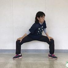 【動画】四股踏みストレッチ(小学生球児のための簡単ストレッチ)