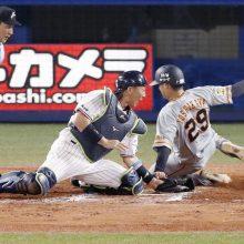 川相氏、7回の巨人・吉川尚の走塁に「ヘッドスライディングで…」