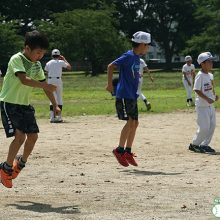 【熊谷ドリームス】監督からの指示はなし!? 虫取りも練習!? 異色すぎる少年野球チーム