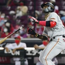 天谷氏も思わず「あっ!」と驚く巨人・モタの来日初本塁打