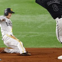鷹・周東が世界の福本超え! 初回に12試合連続盗塁の日本新記録を樹立「後ろの打者の方々のおかげ」