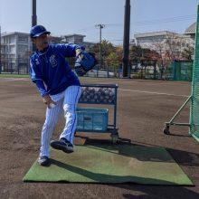 番長体制始動のDeNA 三浦新監督自ら打撃投手「問題なく投げられました」