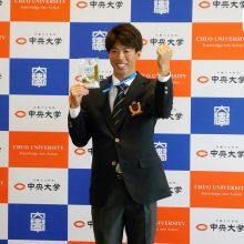 日本ハムがドラ2・五十幡に指名挨拶 「足だけでなく走攻守で活躍できるように」