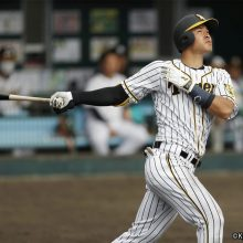 阪神のドラ1佐藤輝は「6番・左翼」で甲子園デビュー 広島戦のスタメン発表