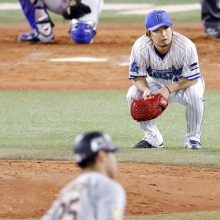 DeNA・三浦監督、2戦連続失点の守護神・三嶋に「ここを乗り越えて」