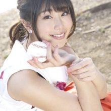 ロッテ、5月23日の楽天戦で稲村亜美さんが始球式「とても緊張しています!」