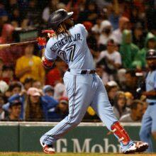 ゲレロJr.が特大の33号3ラン 打点&打率の2部門トップ、本塁打は大谷と4本差