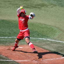 ソフトボール・上野の剛球炸裂!バット真っ二つにへし折り打者呆然