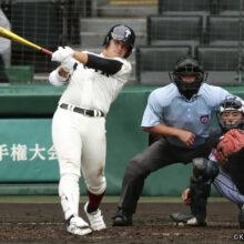 大阪桐蔭が一発攻勢! 降雨コールドで東海大菅生と強豪対決制す